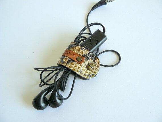 aseismanos snake print cord holder