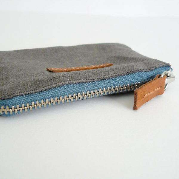 grey and teal coin purse side