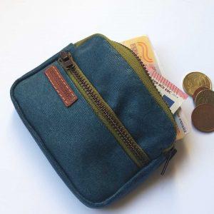 monedero-de-bolsillo-azul-capacidad