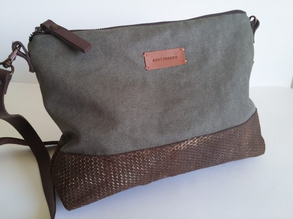 Crossbody day bag grey waxed canvas 4 close view