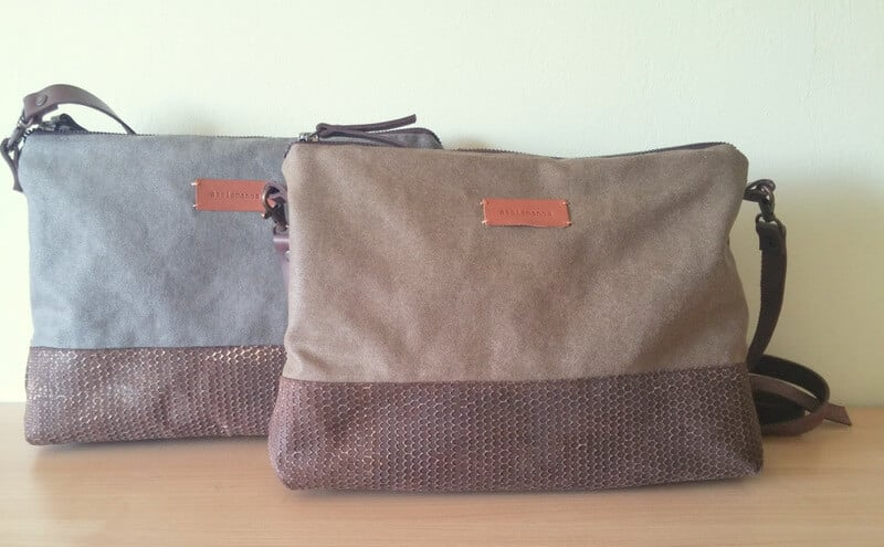 Crossbody day bag khaki 3 close picturee 2