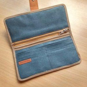 Bifold wallet -open wallet