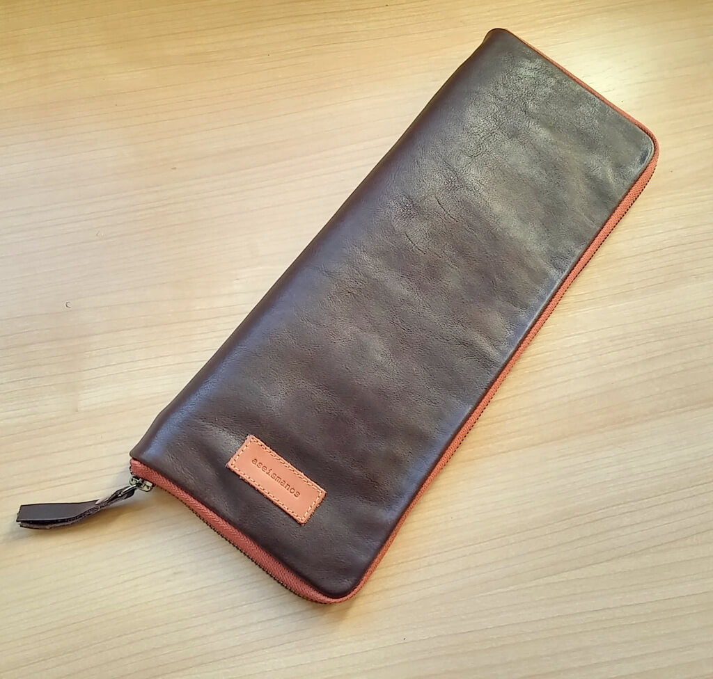 Tie travel case front