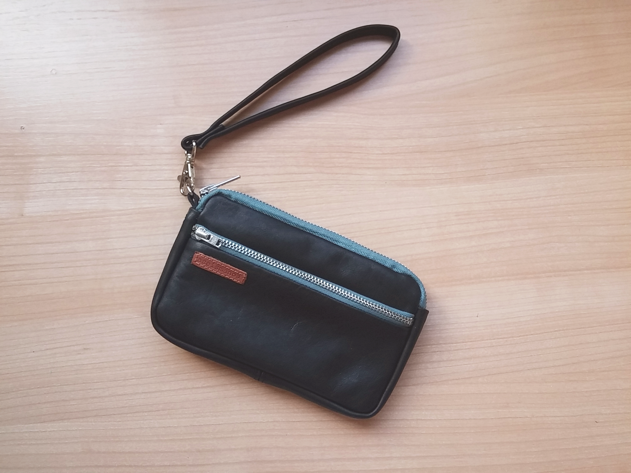blalck leather wristlet pouch