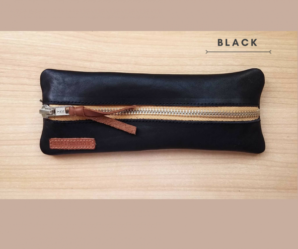 Leather pen case in black