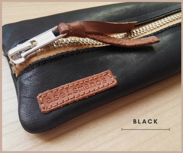Leather pen case black close view