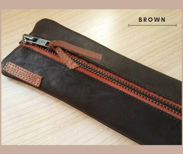 Leather pen case brown close view
