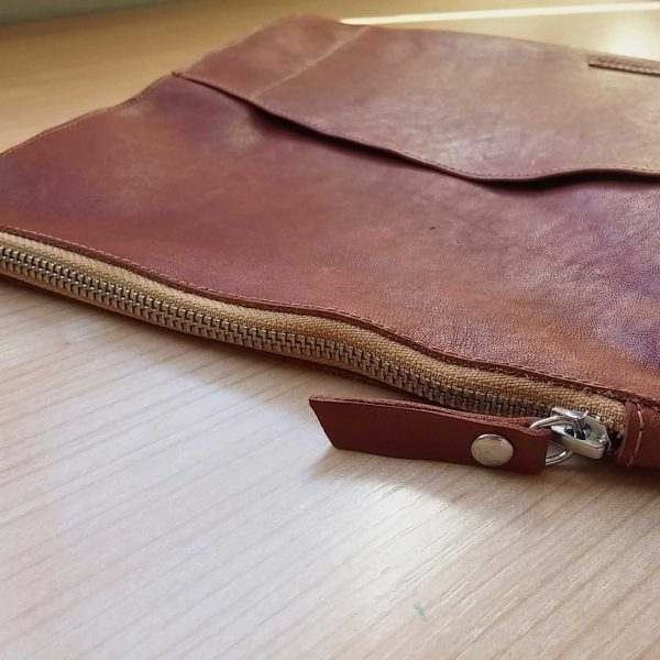 leather planner sleeve zip detail