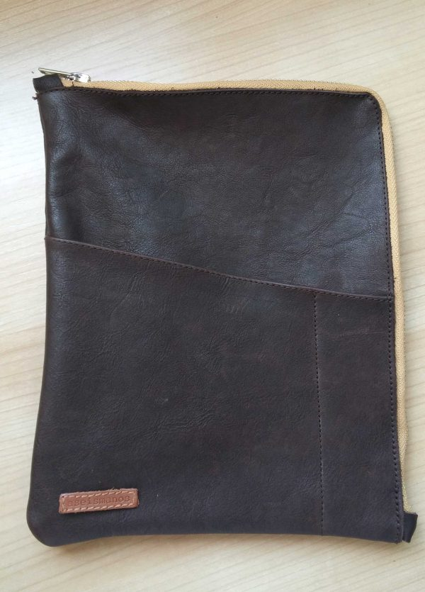 leather planner sleeve front view