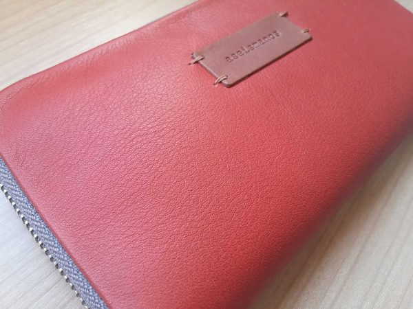 women leather wallet close view