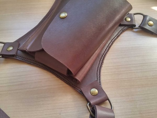 hairdresser belt leather detail