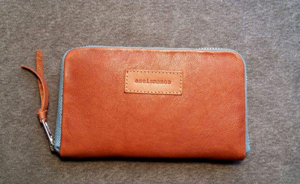 aseismanos tan leather wallet frontal