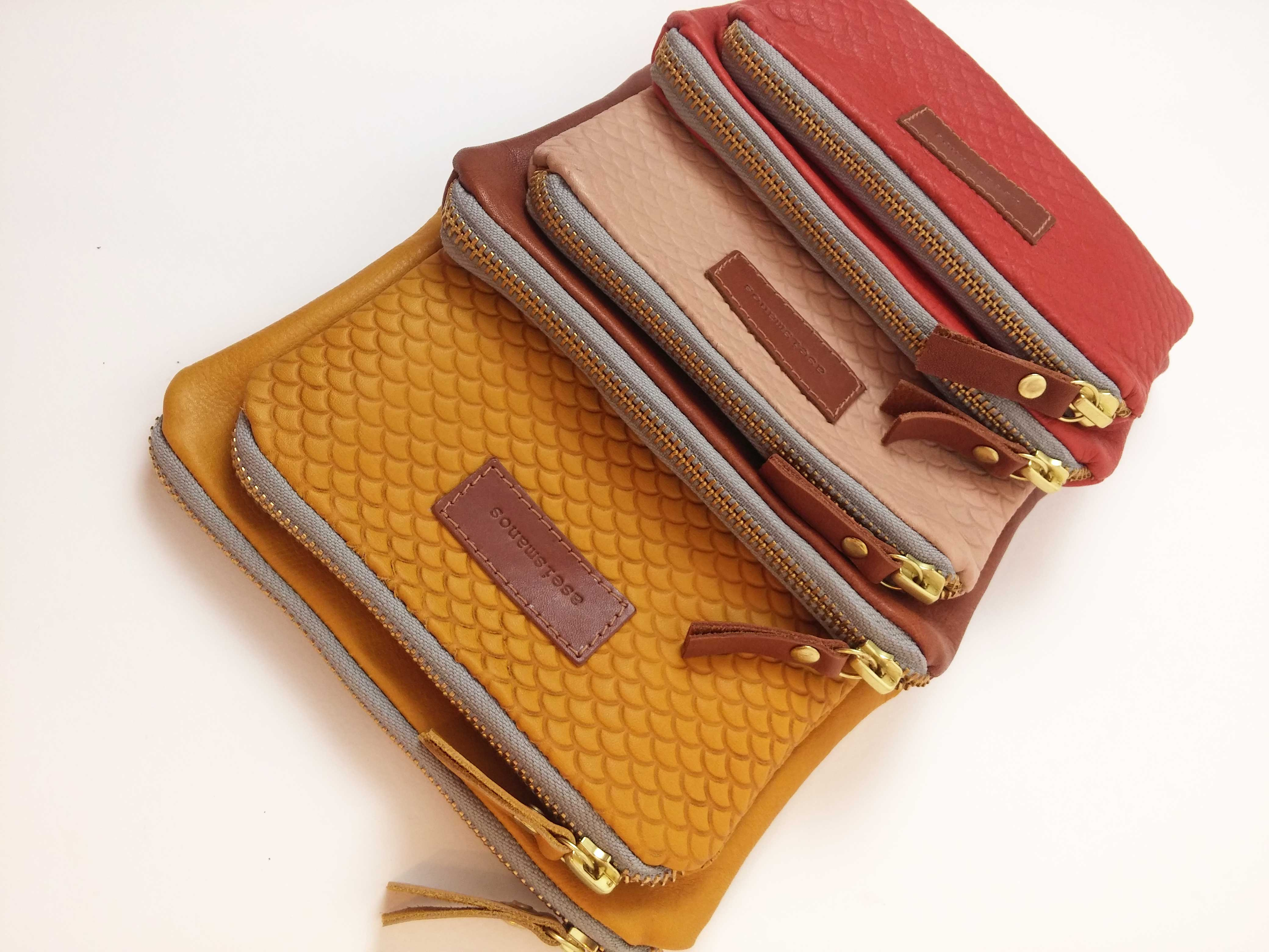 9f932edec7ca Women's small leather wallet