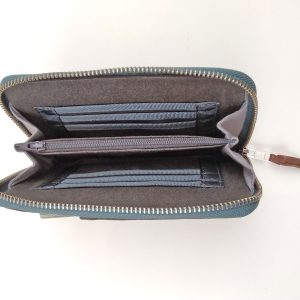 showing wallet interior