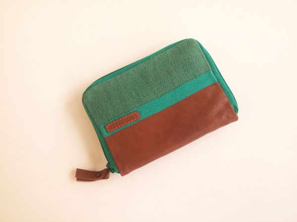 wallet front view