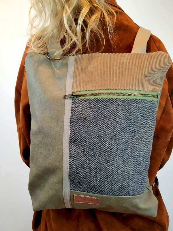 close front view of the bacpack