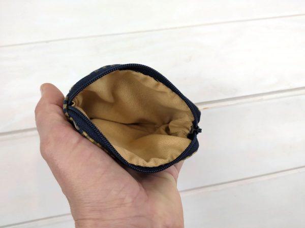 aseismanos retro wallet showing inside