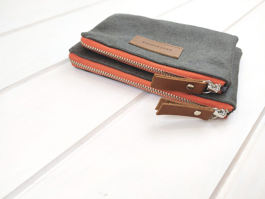 side view showing salmon zippers